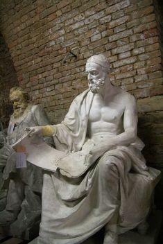 Alois Duell, Statua di Polibio. 1899. Vienna. Rampa del Palazzo del Parlamento.