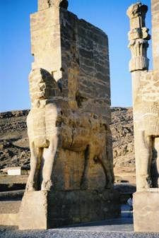 Persepoli, la porta delle nazioni costruita da Serse (519 a.C. circa - 465 a.C.).