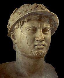 Busto di Pirro, epoca romana. Napoli, Museo Archeologico Nazionale.