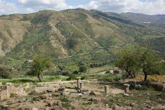 Il sito archeologico di Alesa Arconidea (Αλαίσα).